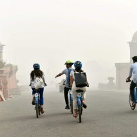 Residents Continue To Struggle As Smog Surrounds Delhi; Government To…