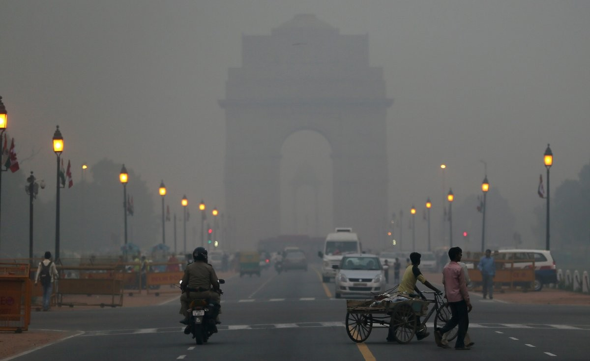 Delhi's air quality upgrades to 'moderate' from 'very poor'; foggy conditions and low visibility delay at least 20 trains