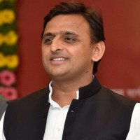 Akhilesh meets UP Governor, urges him to 'wake up' Yogi government on poor law and order situation