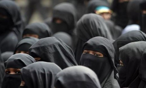 Sri Lanka Issues Decree Banning All Forms of Face Covering From Today