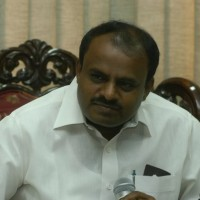 HD Kumaraswamy  demands Rs 100 cr relief fund for rain-hit Kodagu..!!