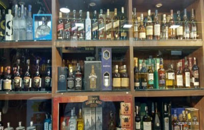 Liquor prices in UP increase with 'corona cess'