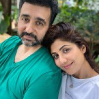 Shilpa shares 'no filter love' for hubby Raj on wedding anniversary