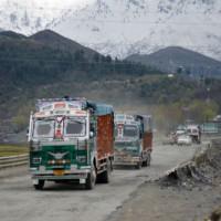 Jammu-Srinagar Highway to open for one-way traffic