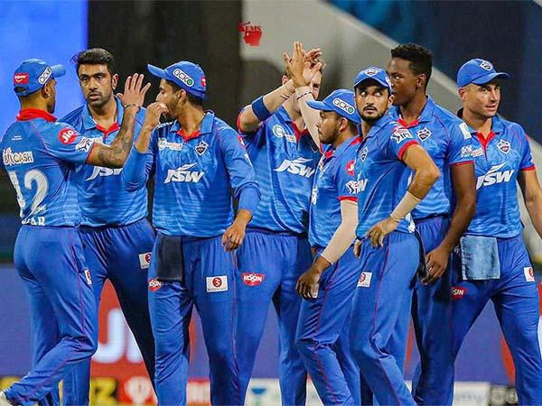धवन - अय्यर के अर्धशतक, जीत के साथ दिल्ली की शीर्ष पर वापसी