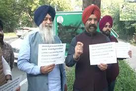 विधायक ने दिल्ली में औरंगजेब लेन के नामपट्ट पर पोती कालिख